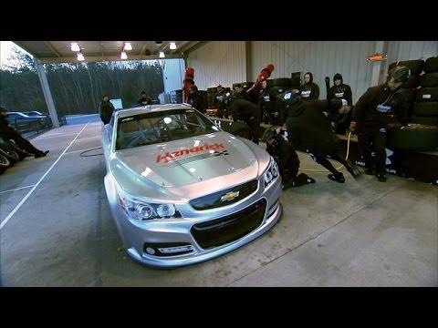 The Pit Bulls of Hendrick Motorsports - 60 Minutes Sports - 동영상