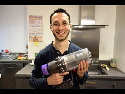 Dyson V11 review (vs Dyson V10) - Is this the best cordless vacuum cleaner? - By TotallydubbedHD