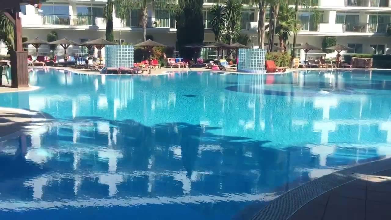Piscinas del hotel melia sol principe en torremolinos for Piscina torremolinos