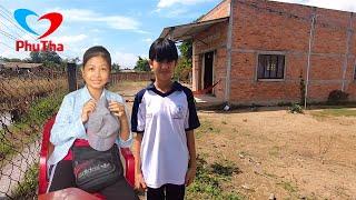 Gia cảnh cơ cực ở quê nhà của cô bé xinh như hoa hậu đi bán vé số kiếm tiền chữa bệnh - PhuTha
