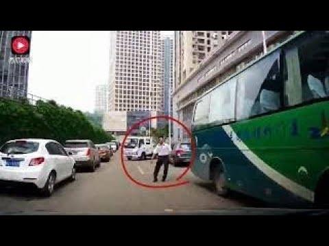 """路上致命的""""马路三宝""""不但可怕更可恨,行车记录器拍下惊险瞬间 !!!"""