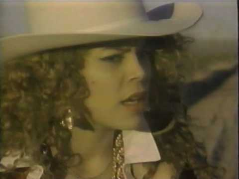 The Real Roxanne - Roxanne's On A Roll (Video)