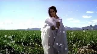 Aitbaar nahi karna(female)...