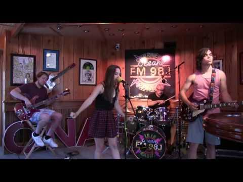 """Jocelyn and Chris Arndt - """"Where's The Rain"""" on Live Lixx at Sixx Mp3"""
