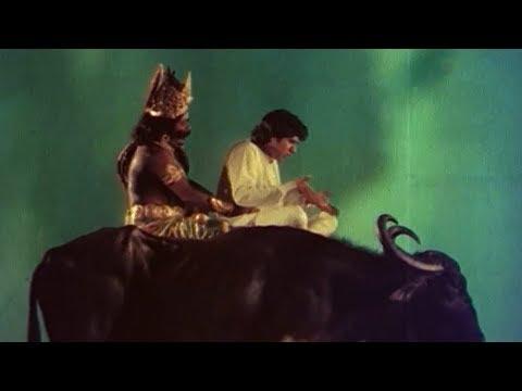ഞാൻ നിൻ്റെ വണ്ടിയുടെ പുറകിലല്ലാ ,നീ എൻ്റെ വണ്ടിയുടെ മുമ്പിലാ | Pappan Priyapetta Pappan