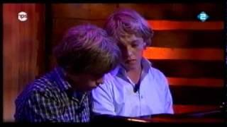 Arthur & lucas Jussen - Dolly Suite opus 56 van Gabriel Fauré.dv