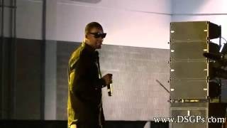 R. Kelly Sings Acappella At V-103 Car And Bike Show 2012 Atanta