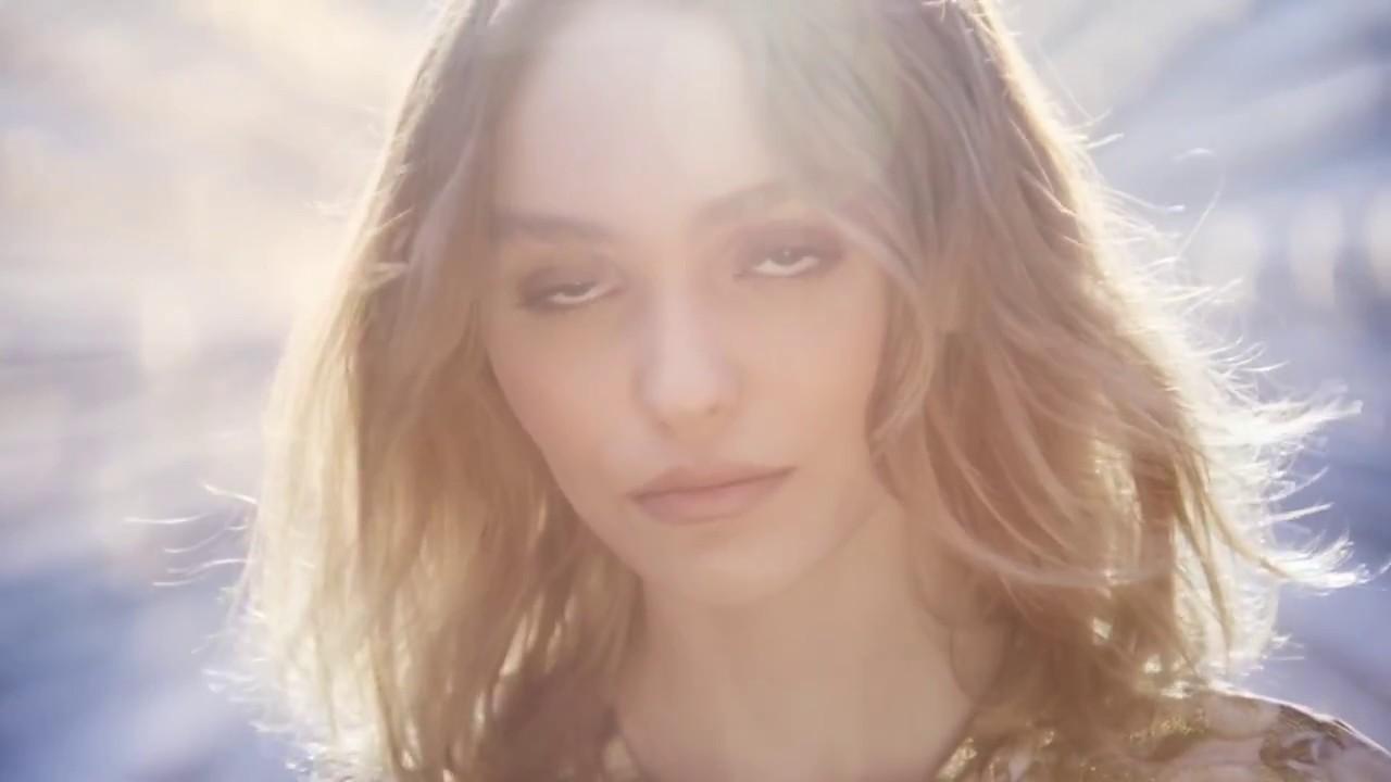 Assez Parfum Channel Femme : Pub N°5 l'Eau de Chanel - YouTube DQ91