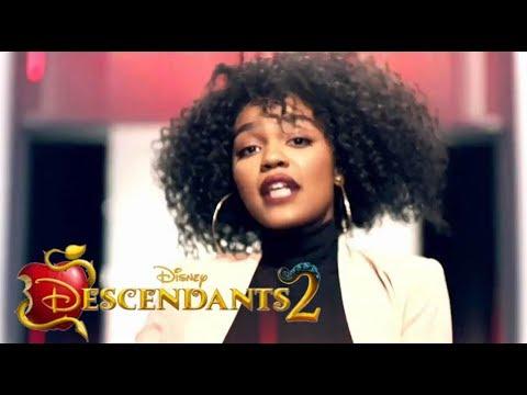 Project Runway - Descendants 2 Promo - What