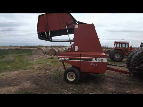 Hesston Model 560 Round Baler - YouTube