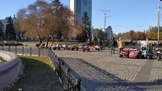 13.10.2019 Снова воскресный день в Донецке. Примерно 4 часа вечера.