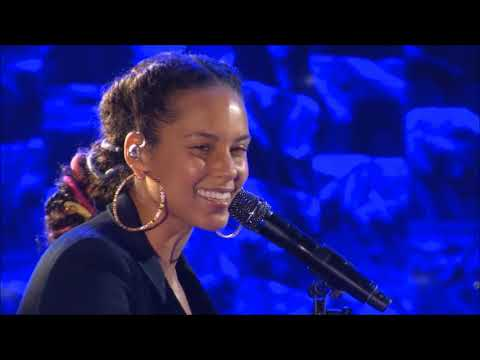 Alicia Keys - Speech / Feelin' It - Jay Z Tribute
