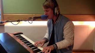 Repeat youtube video Tom Odell - Another Love live on Chris Evans Breakfast Show