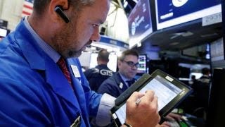 Dow hits 22K as Apple shares rise thumbnail
