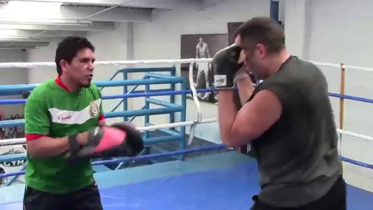 Amatuer Mexicans Stunning mexican style boxing - youtube