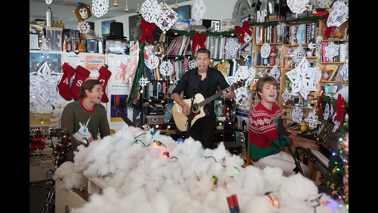 Hanson: NPR Music Holiday Tiny Desk Concert - YouTube