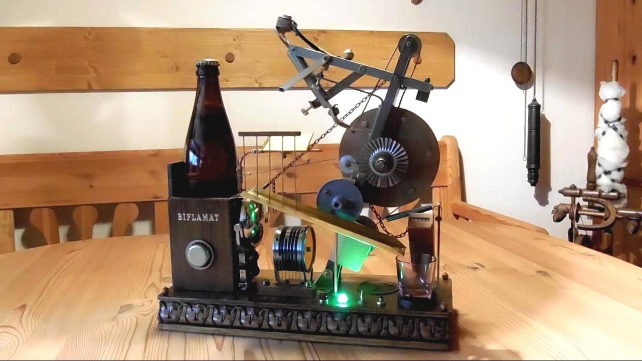 bierflasche ffnen mit maschine steampunk bier ffner automat youtube. Black Bedroom Furniture Sets. Home Design Ideas