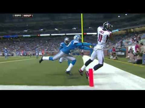 Calvin Johnson breaks NFL receiving yards record