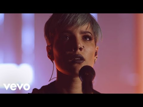 Halsey - Hold Me Down (Live Performance) (Vevo LIFT)