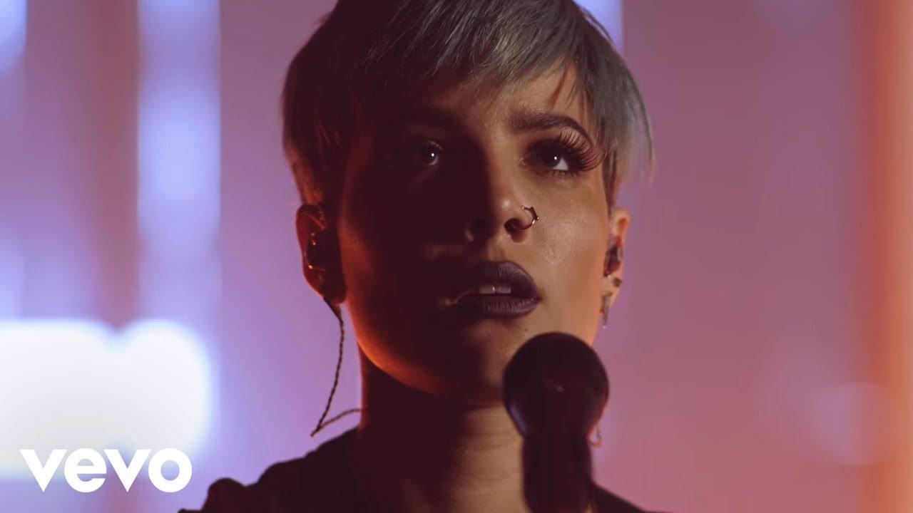 Halsey - Hold Me Down (Live Performance) (Vevo LIFT)