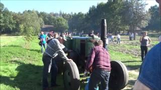 Ursus C45 - odpalanie ciągnika kierownicą (Muzeum Wsi Radomskiej)