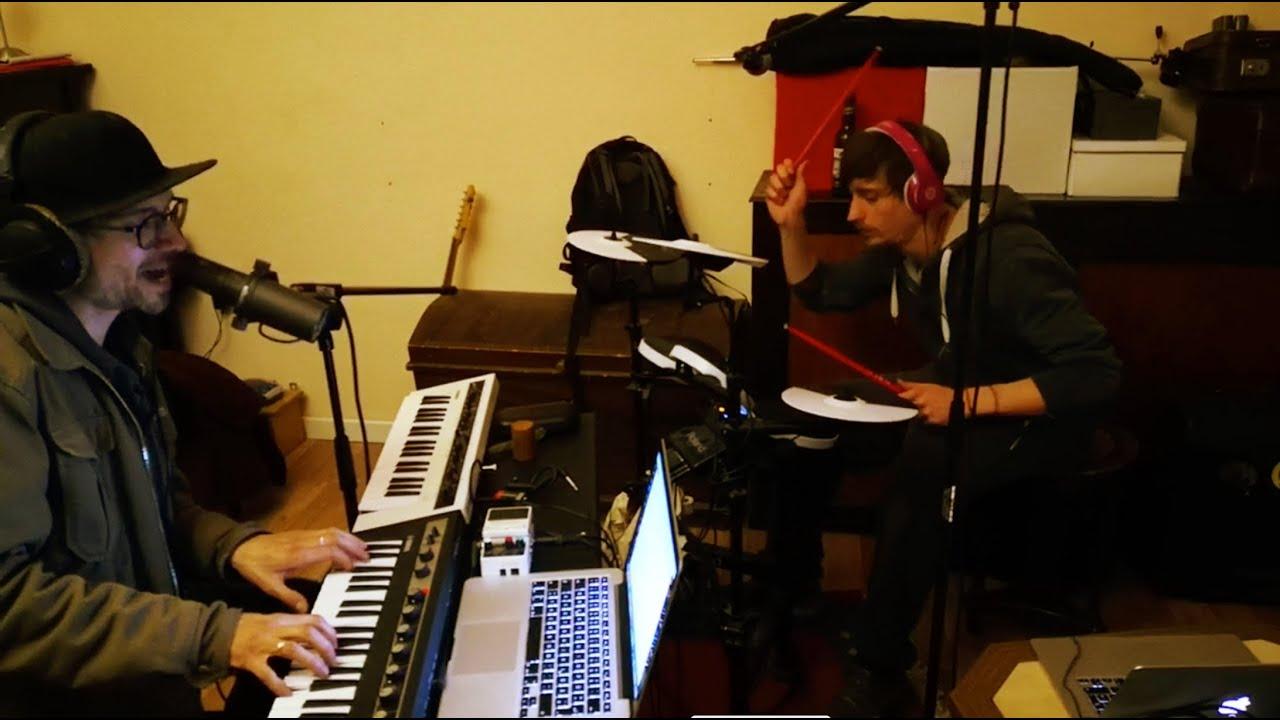 Tanga Elektra: at home - new songs #3 THAT LOOK