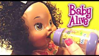 Baby Alive Snackin' Sara Doll Eats Real Baby Alive Food!