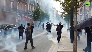 Act 48: Police tear gas Yellow Vest protesters in Toulouse
