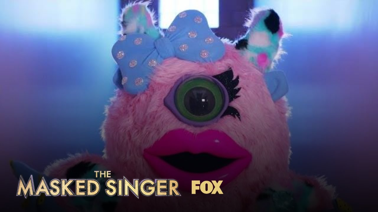 'The Masked Singer' is barely trying to hide Rob Gronkowski