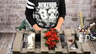 Stroik świąteczny z palety - atrakcyjna dekoracja na Święta Bożego Narodzenia