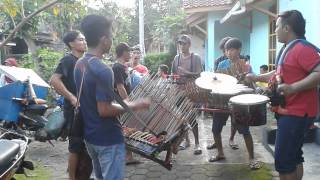 Traditional Music in Indonesia Prau Layar - Kentongan in Ledug Village, Banyumas Regency