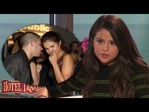 """Selena Gomez Reveals Nick Jonas' """"Secret"""" From VMAs - Exclusive"""