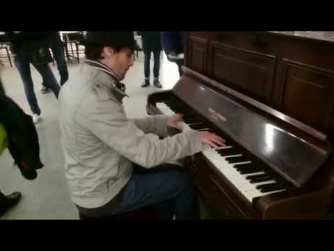 Harry Potter & Edith Piaf, La Foule (sugar plum fairy) piano - busking in the streets of London, UK