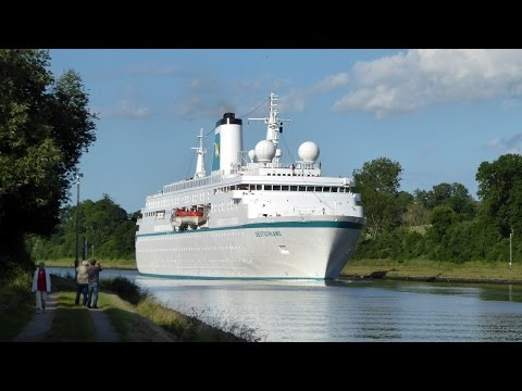 Kreuzfahrtschiff MS Deutschland im Nord-Ostsee-Kanal | 28.06.2016 | 4K