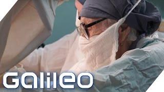 Die älteste Chirurgin der Welt | Galileo | ProSieben