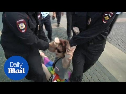Russian police arrest 30 gay rights activists in St. Petersburg
