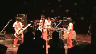 愛知教育大学軽音楽部2008年夏場所ライブの映像です。 POLYSICSのコ...
