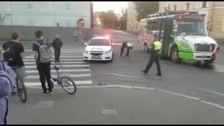 В автобус болельщика из Мексики Хавьера врезался мотоцикл