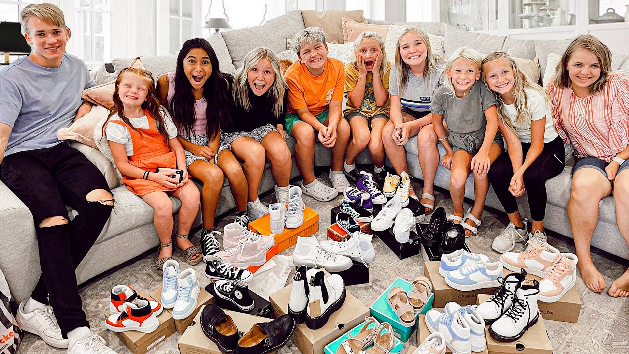 SHOE SHOPPiNG For 12 KiDS!   BACK To SCHOOL   How MUCH Will It Cost?