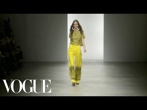 Holly Fulton Ready to Wear Spring 2012 Vogue Fashion Week Runway Show