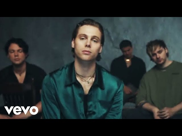 5 Seconds of Summer - Old Me (Official Video)