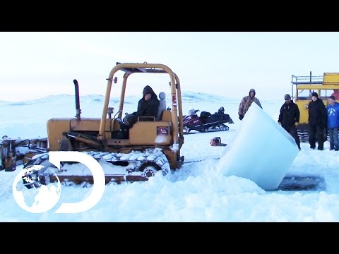 Mining At The Bottom Of The Bering Sea During An Arctic Winter | Gold Divers