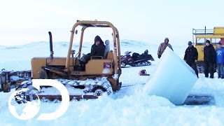 Baixar Mining at the Bottom of the Bering Sea During an Arctic Winter | Gold Divers