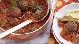 Мясные фрикадельки в томатном соусе. Макароны с фрикадельками.