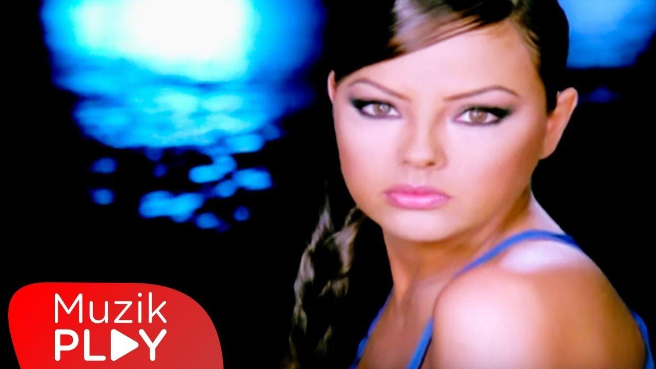 Ebru Gündeş - Seni Seviyorum (Official Video)
