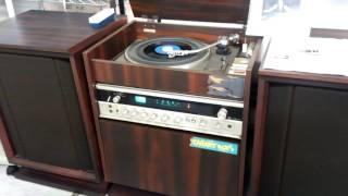 東芝ステレオの動作チェック最中に、これまたレトロなレコードで…越路吹...