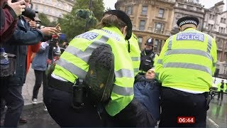 Extinction Rebellion - Citizens, protesters & the police (53) (UK) - BBC News - 12th October 2019