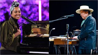 Thunder On The Mountain - Bob Dylan's Tribute Song to Alicia Keys - live St. Louis 2007