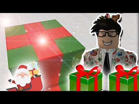 LIVING INSIDE A CHRISTMAS PRESENT HOME IN BLOXBURG! Roblox Roleplay