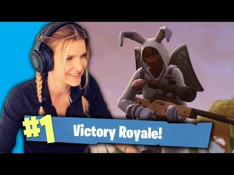 THE CLUTCH REVIVE ft. Valkyrae, Asivirs, Alexiaraye (Fortnite: Battle Royale Gameplay)